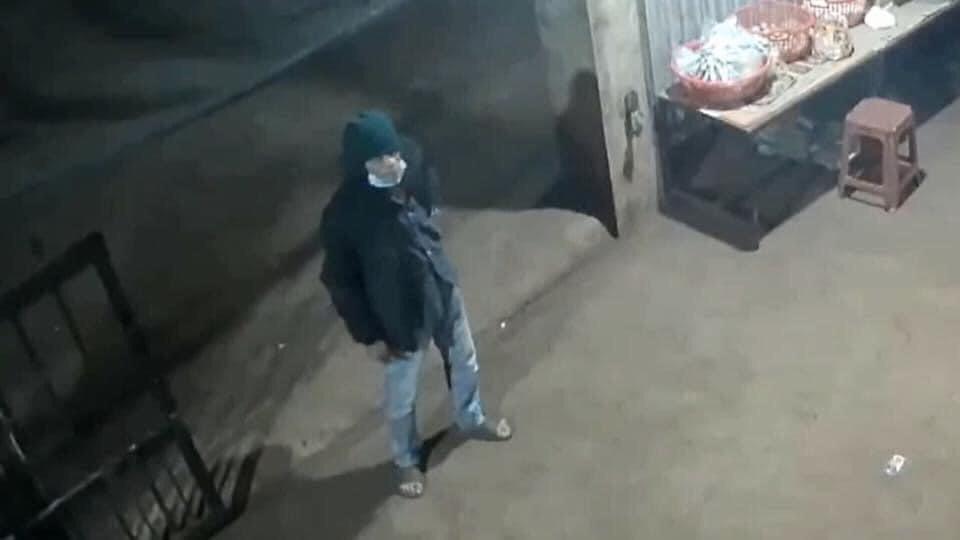Vụ chủ cửa hàng bị đâm chết trong đêm: Chi tiết không ngờ từ camera lật tẩy nghi phạm - Ảnh 1