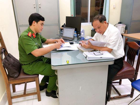 Vụ ông Tất Thành Cang bị bắt: Tạm đình chỉ tư cách đại biểu HĐND TP.HCM - Ảnh 1
