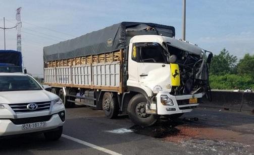Tin tai nạn giao thông ngày 19/12: Nữ sinh bị ô tô tải cán tử vong trên quốc lộ - Ảnh 2