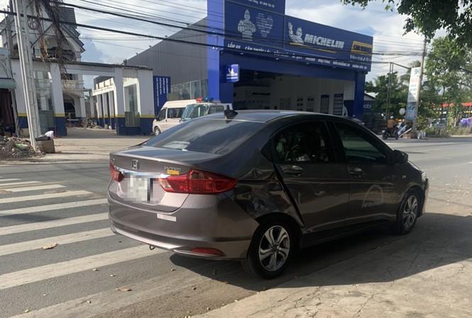 Tin tai nạn giao thông ngày 26/12: Giám đốc gây tai nạn rồi bỏ đi, để nữ nhân viên nhận tội thay - Ảnh 1