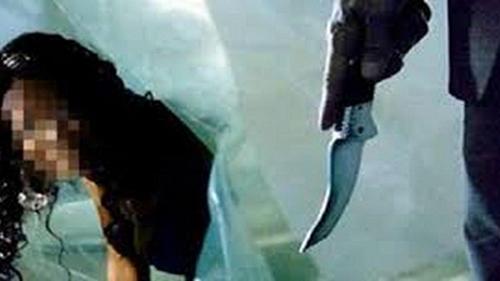 Người chồng sát hại vợ dã man lúc đang ngủ say bị khởi tố - Ảnh 1