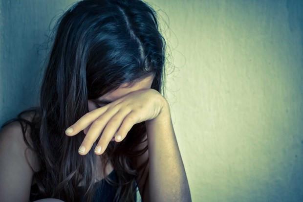 Mẹ tố cáo con gái 13 tuổi bị gã trai quen qua mạng xã hội giở trò đồi bại - Ảnh 1