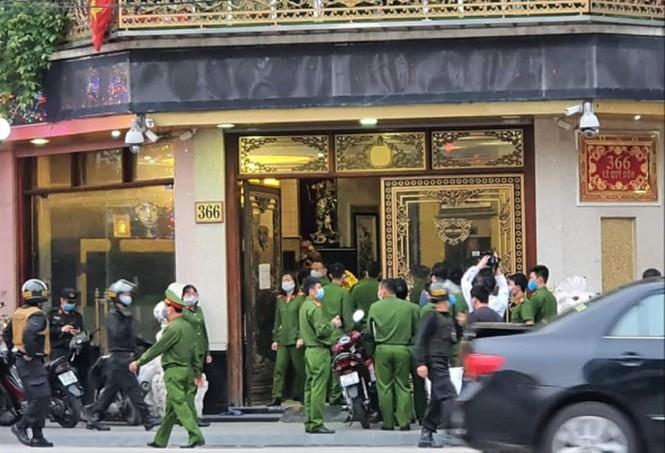 """Vụ bắt nữ """"đại gia"""" ở Thái Bình: Vợ phụ xe bị đánh vỡ xương hàm lên tiếng - Ảnh 2"""