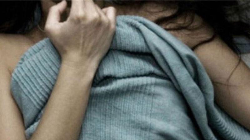 Tạm giữ gã đàn ông khóa trái cửa, hiếp dâm bé gái đang ngủ - Ảnh 1