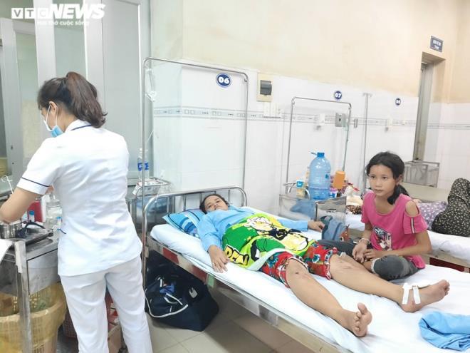 """Vụ sập tường 10 người chết ở Đồng Nai: """"Mẹ không sao là con vui rồi..."""" - Ảnh 1"""