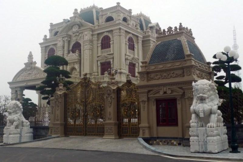 """Choáng ngợp tòa """"lâu đài"""" 4 mặt tiền, 5 triệu đô của đại gia Hà Nam - Ảnh 3"""