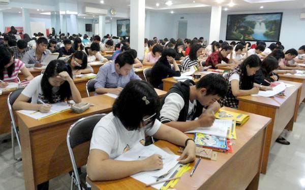 Những đối tượng nào thi tuyển công chức được miễn môn Ngoại ngữ? - Ảnh 1
