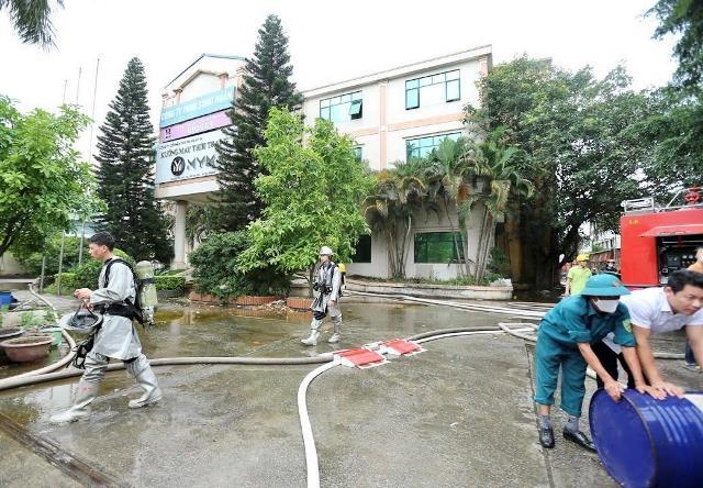 Hiện trường vụ cháy kinh hoàng tại khu công nghiệp Phú Thị, 3 người tử vong - Ảnh 4