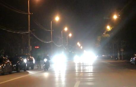 Bộ GTVT đề xuất xe máy phải bật đèn cả ngày - Ảnh 1