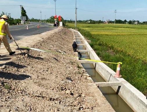 Thái Bình: Phát hiện thi thể dưới kênh nước đang thi công - Ảnh 1