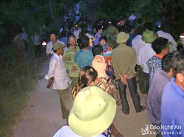 Vụ bé 5 tuổi tử vong trong nhà hoang ở Nghệ An: Triệu tập thêm một nam sinh lớp 11 - Ảnh 1