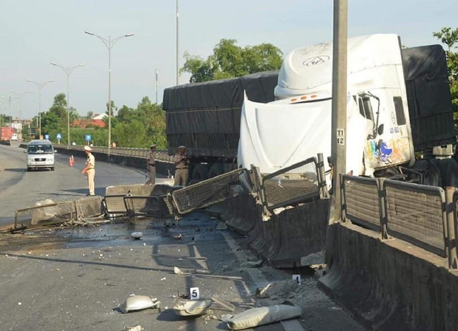 Tin tai nạn giao thông mới nhất ngày 18/6/2020: Vợ sắp cưới đi tìm, hoảng hốt thấy chồng nằm chết giữa đường - Ảnh 2