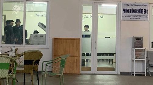 Thông tin mới nhất vụ bắt vợ Giám đốc sở Tư pháp Lâm Đồng - Ảnh 1