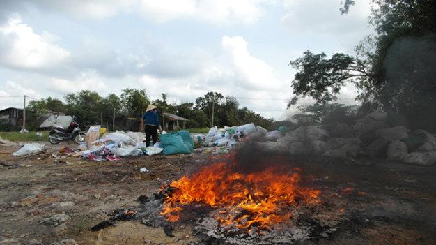 Đốt rác trong vườn nhà, người phụ nữ 67 tuổi chết cháy - Ảnh 1