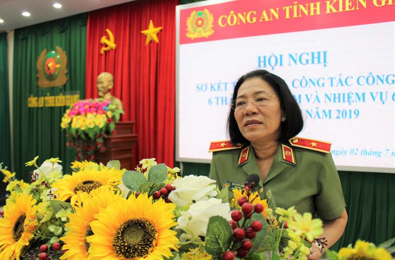 Nữ Thiếu tướng Công an đầu tiên Bùi Tuyết Minh thôi làm Giám đốc Công an tỉnh Kiên Giang - Ảnh 1
