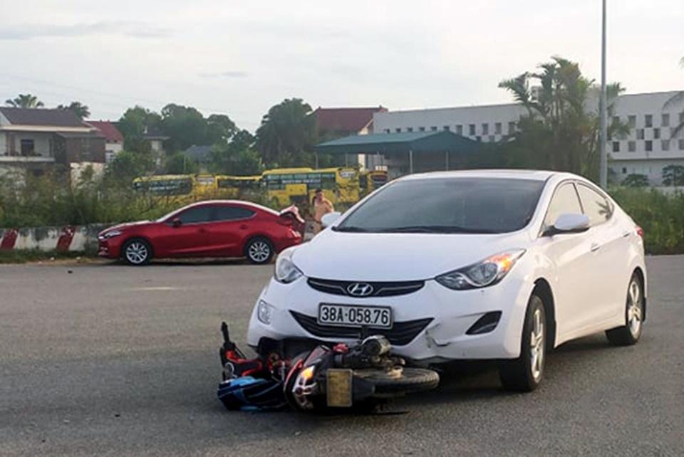 Tin tai nạn giao thông mới nhất ngày 6/6/2020: Ông chết thảm trên đường chở 2 cháu đi học - Ảnh 1