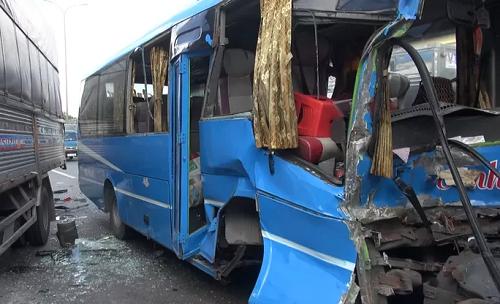 """Vụ 6 xe khách, ô tô tải tông """"dồn cục"""" ở TP. HCM: Lời kể hoảng loạn của nhân chứng - Ảnh 2"""