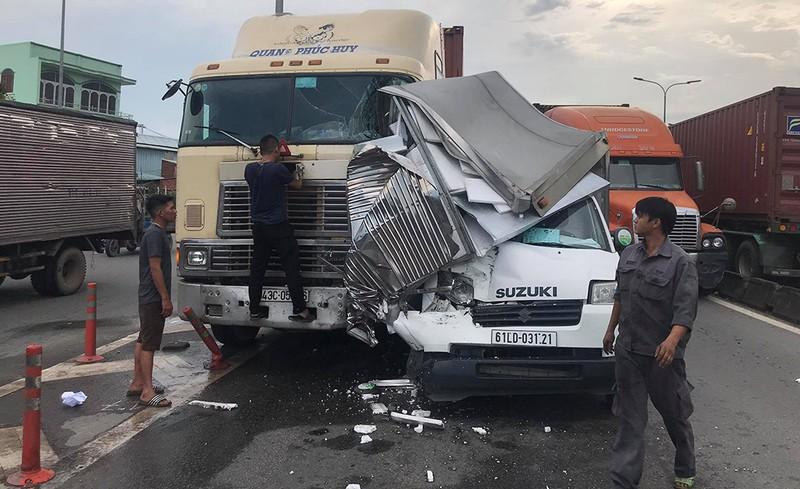 Tin tai nạn giao thông mới nhất ngày 21/7/2020: Xe máy tông trực diện ô tô tải, 2 thanh niên tử vong thương tâm - Ảnh 2