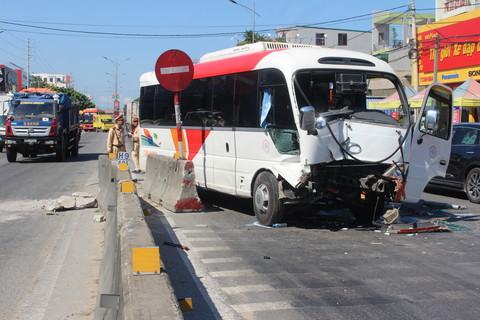 Tin tai nạn giao thông mới nhất ngày 25/7/2020: Tông đuôi xe tải, người đàn ông tử vong tại chỗ - Ảnh 2