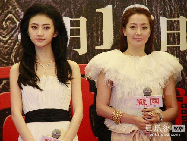 """Mỹ nhân xứ Hàn bị biến thành """"bạch tuộc"""" khi đứng cạnh sao nước khác: Song Hye Kyo bị """"dìm"""" thê thảm nhất - Ảnh 7"""