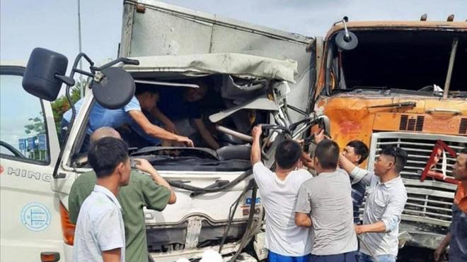 Tin tai nạn giao thông mới nhất ngày 4/7: Kết đắng cho nữ tài xế lùi xe trên cao tốc Hà Nội - Hải Phòng - Ảnh 2