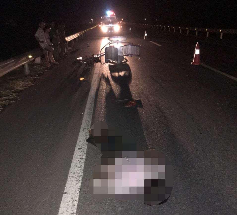 Tin tai nạn giao thông mới nhất ngày 10/7/2020: Truy tìm xe tông chết cụ ông lái xích lô rồi bỏ trốn - Ảnh 1