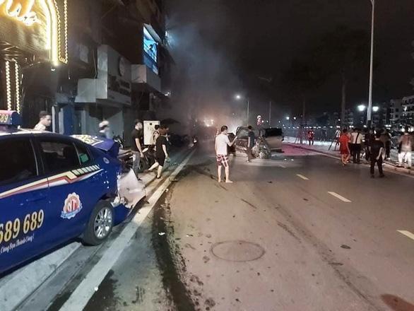 Tin tai nạn giao thông mới nhất ngày 20/8/2020: Tài xế Lexus tông chết nữ chiến sỹ công an - Ảnh 1