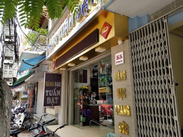 Vụ nữ chủ tiệm vàng báo bị trộm 350 cây vàng: Hé lộ hình ảnh hiện trường - Ảnh 4