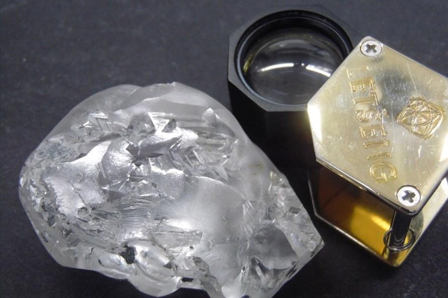 """Viên kim cương """"khủng"""" 442 carat, có màu siêu quyến rũ được tìm thấy như thế nào? - Ảnh 1"""