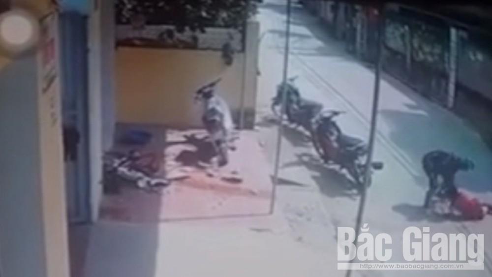 Vụ clip nữ công nhân bị đánh dã man, lột đồ giữa xóm trọ ở Bắc Giang: Gã người tình khai gì? - Ảnh 2