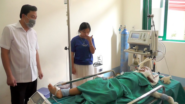 Vụ 2 ông cháu gục trên vũng máu ở Hà Giang: Người ông tử vong - Ảnh 1
