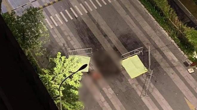 Phát hiện 2 thi thể không nguyên vẹn dưới chân tòa chung cư ở Hà Nội - Ảnh 1