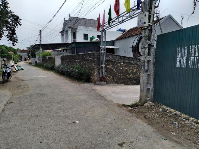 Thực hư vụ cán bộ địa chính xã ở Nghệ An bị tố lấy cán xẻng đánh người sau va chạm giao thông - Ảnh 1