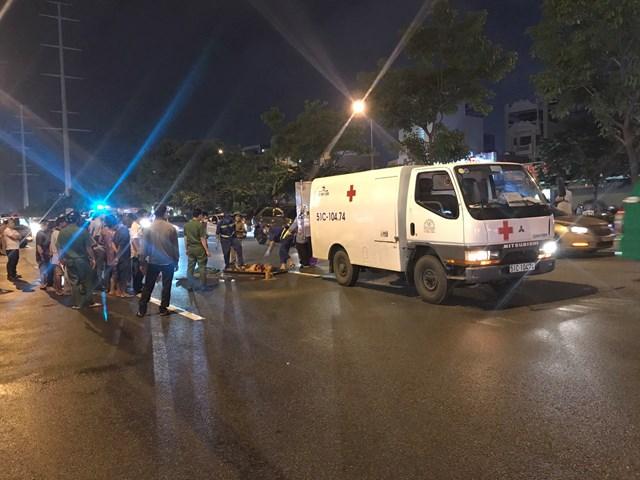 Tin tai nạn giao thông mới nhất ngày 13/9/2020: Đi bộ qua đường, người phụ nữ bị xe khách tông tử vong - Ảnh 1