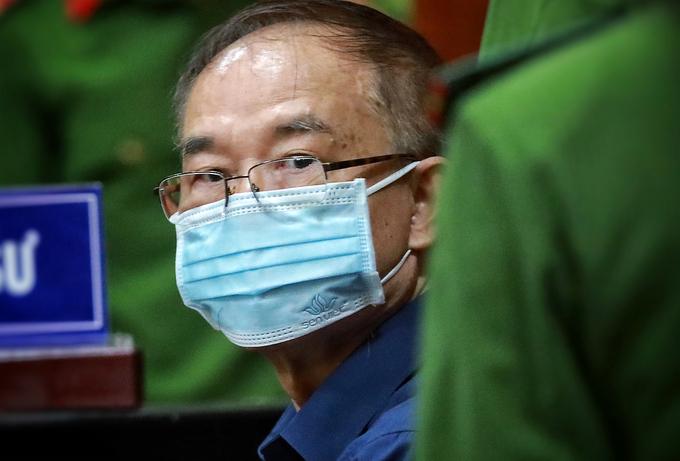 Hình ảnh cựu Phó chủ tịch UBND TP.HCM Nguyễn Thành Tài sau khi bị bắt - Ảnh 5