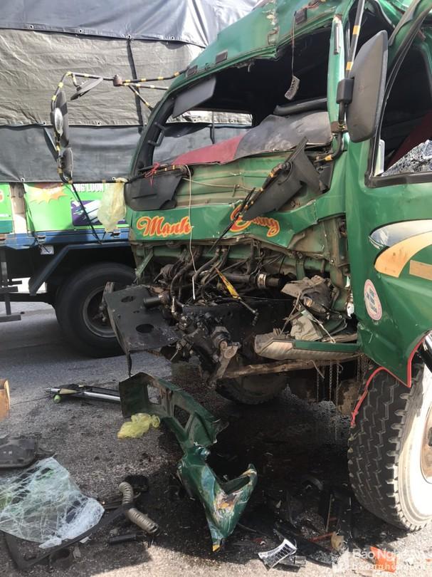Tin tai nạn giao thông mới nhất ngày 25/9/2020: Ô tô tải tông xe đạp, 2 cha con thương vong - Ảnh 2