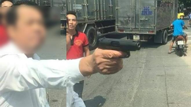 """Công an TP Bắc Ninh xác minh thông tin tài xế cầm vật giống súng dọa """"bắn vỡ sọ"""" người không cho vượt - Ảnh 1"""