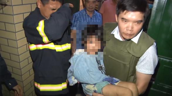 Diễn biến mới nhất vụ bố cùng nhân tình bạo hành dã man bé gái 6 tuổi ở Bắc Ninh - Ảnh 1