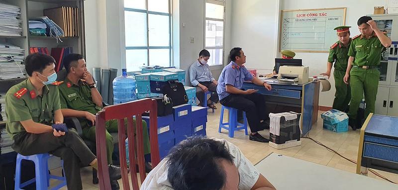 Vì sao nguyên Chủ tịch UBND huyện ở Phú Yên bị khởi tố? - Ảnh 2