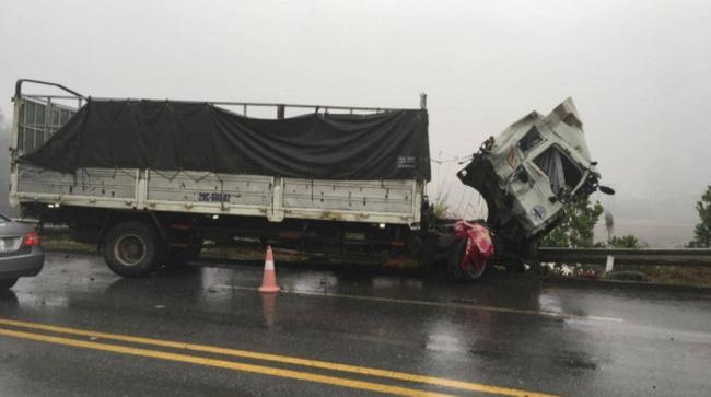 Tin tai nạn giao thông ngày 17/1: Ô tô tải lao vào nhóm học sinh đứng mua bánh mì - Ảnh 2