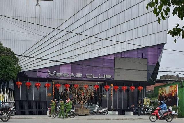 """Vì sao quán bar Vegas Club """"hoành tráng"""" nhất Thừa Thiên-Huế bị khám xét? - Ảnh 2"""