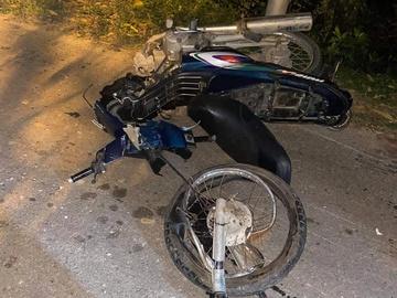 Tin tai nạn giao thông ngày 26/1: Xe máy va chạm ô tô bán tải, 2 người tử vong - Ảnh 1