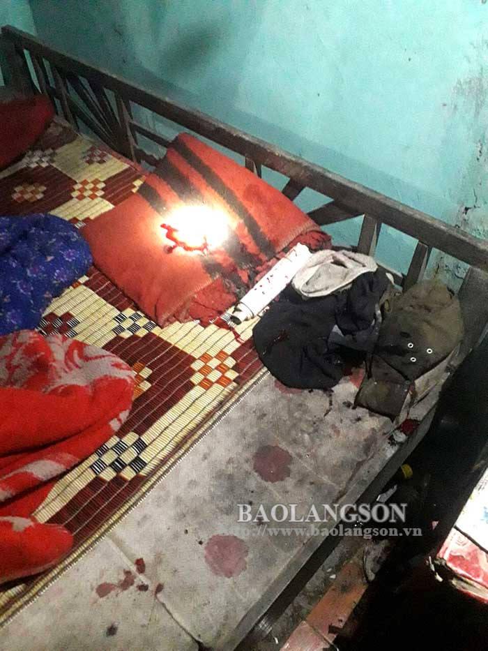 Vụ chém liên tiếp 4 người rồi trốn vào rừng ở Lạng Sơn: Huy động chó nghiệp vụ truy tìm hung thủ - Ảnh 2