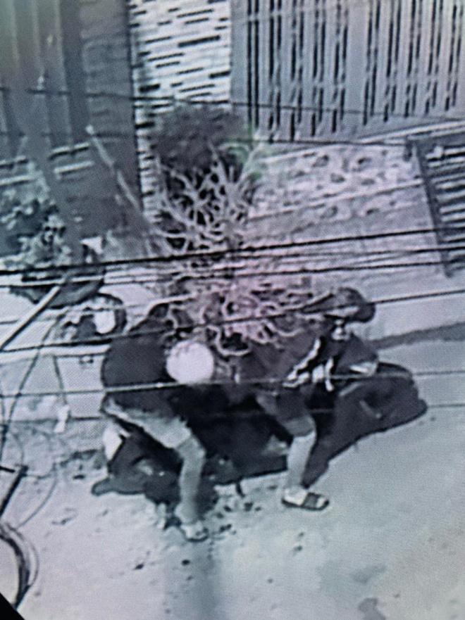 Vụ nhà Thành Đạt - Hải Băng bị trộm cây mai 50 triệu đồng: Camera thu hình ảnh gì? - Ảnh 1