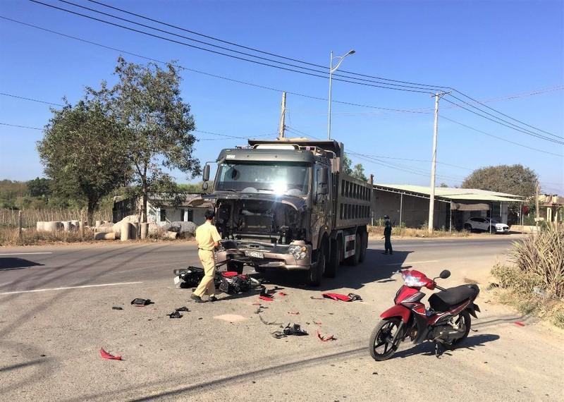 Tin tai nạn giao thông ngày 14/3: Đôi nam nữ tông cụ bà tử vong rồi bỏ chạy - Ảnh 2