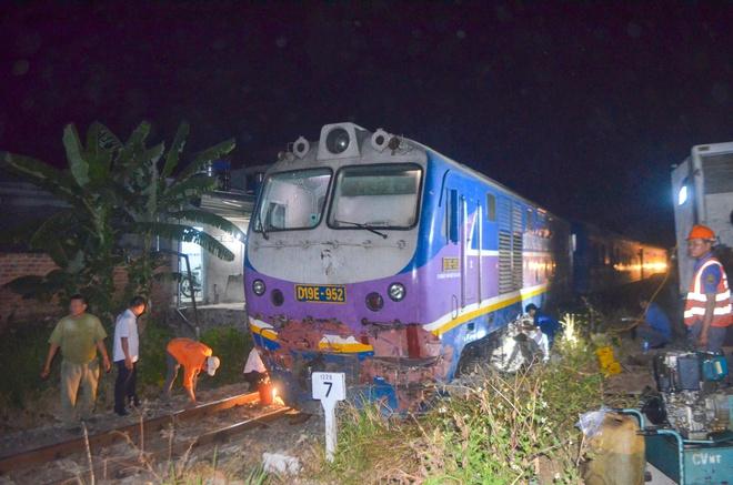 Tin tai nạn giao thông ngày 17/3: Xe khách đấu đầu xe tải, 3 người chết - Ảnh 2