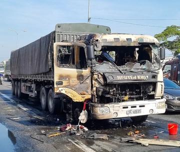 Tin tai nạn giao thông ngày 19/3: Lật xe tải và xe cẩu ở đèo Lò Xo, 1 người chết - Ảnh 2