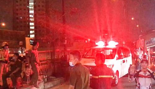 Cháy nhà trong đêm, 6 người trong gia đình tử vong: Nhân chứng nói gì? - Ảnh 1