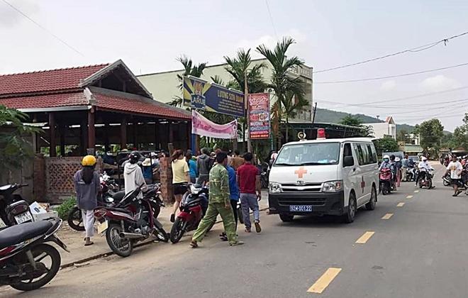 Vụ đầu bếp ở Lương Sơn Quán bị đâm chết: Người vợ kể phút bị chồng cũ chém vào đầu - Ảnh 1