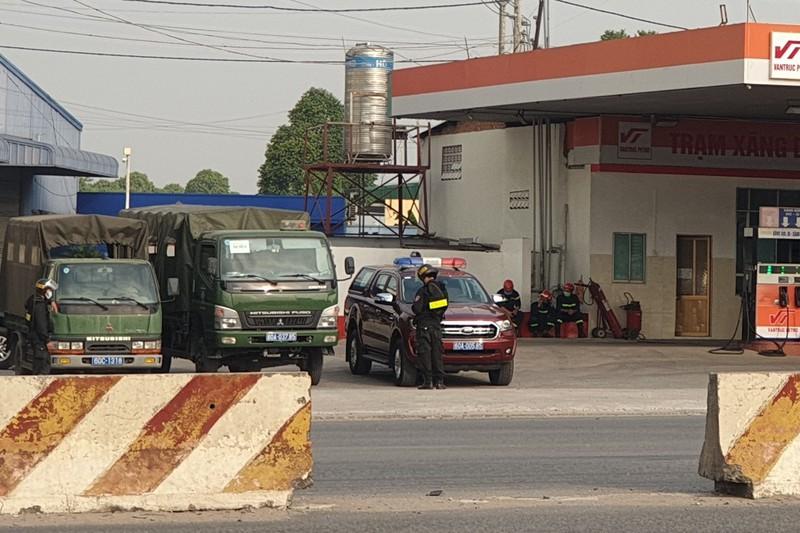Vì sao 2 cây xăng Vân Trúc bị cảnh sát bao vây? - Ảnh 3